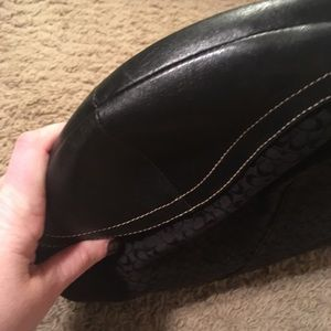 Coach Bags - Coach hobo with black C pattern